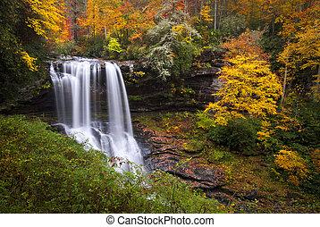 seco, azul, tierras altas, caballete, montañas, nc, bajas, bosque de otoño, follaje, cascadas, cañón, otoño, cullasaja