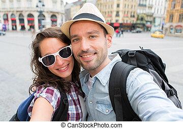 selfie, vacaciones, pareja, toma, joven