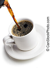 Servir una taza de café