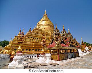 Shwezigon paga una pagoda, un hito en bagan