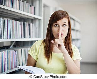 Silencio en la biblioteca