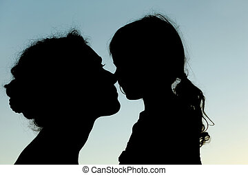 silueta, narices, cielo, conmovedor, madre, vista, hija, lado