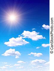 Sol en el cielo azul