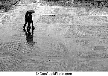 Sola en la lluvia