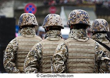 Soldados en el desfile militar