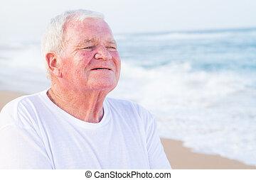 sonriente, jubilado