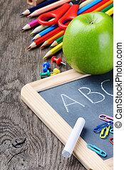 Suministros escolares de color