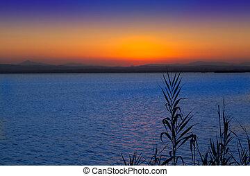Sunset en Albufera Lake Valencia