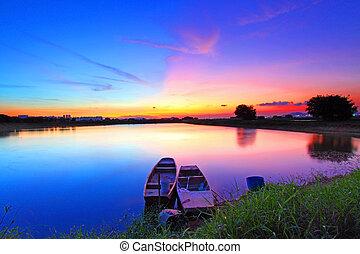 Sunset sobre el estanque