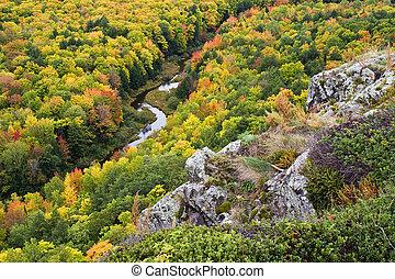 superior, color del otoño, michigan, península