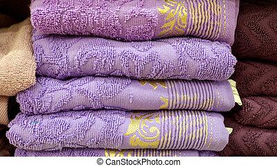 supermercado, toallas, púrpura, mostrador
