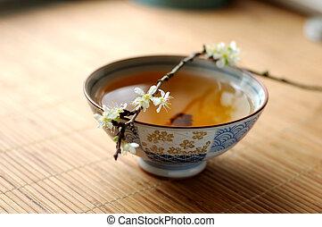 Té y ciruela florida