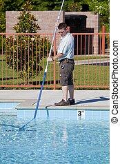 Técnico de servicio de piscina activo