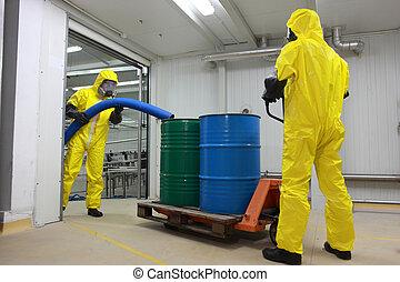 tóxico, trabajadores, desperdicio, trabajando