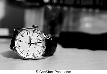 tabla, reloj