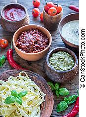 Tagliatelle con diferentes tipos de salsa