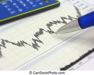 Tarjeta, calculadora y pluma