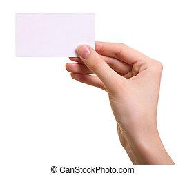 Tarjeta de papel en mano de mujer aislada en un fondo blanco