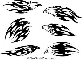 Tatuajes de águilas voladoras negras y blancas