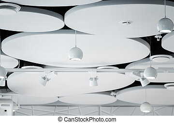 Techo moderno en la sala de conferencias