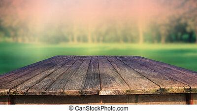 Tejas de madera vieja y verde