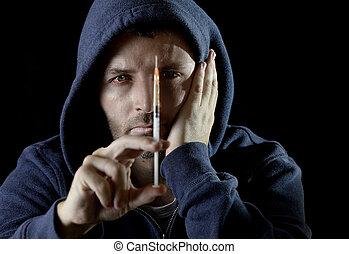 tenencia, droga de heroina, hombre enfermo, adicto, capucha, cocaína, o, jeringuilla, llevando