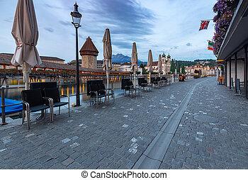 terraplén, lucerne., ciudad, viejo, medieval, dawn., casas