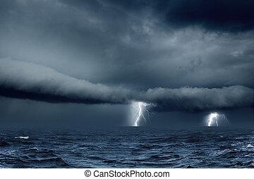 Tiempo tormentoso en el mar