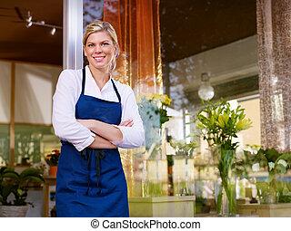 tienda, mujer, trabajando, joven, bastante, florista, sonriente