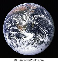 Tierra del espacio exterior.