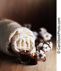 Toalla de algodón y velas