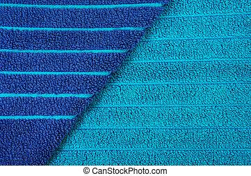 Toalla de playa a rayas azules