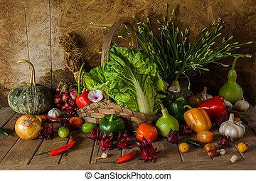 Todavía vegetales, hierbas y fruta.