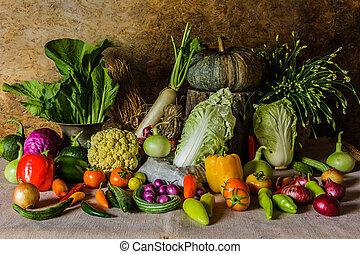 Todavía vegetales, hierbas y frutas.