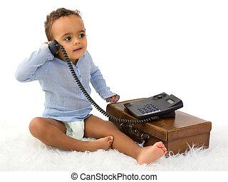 Toddler al teléfono