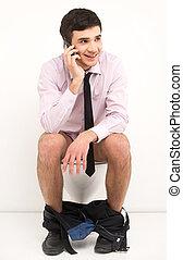 toilet., hablar, hombre de negocios, móvil, sentado, servicio, teléfono, hombre, mientras