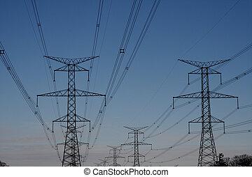 Torre de energía eléctrica hidroeléctrica
