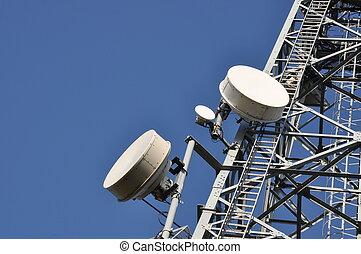 Torre de telecomunicación con Ann