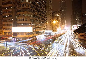 Tráfico en el centro por la noche, Hongko