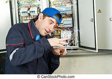 Trabajador bajo electroshock