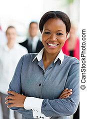 Trabajador corporativo afroamericano