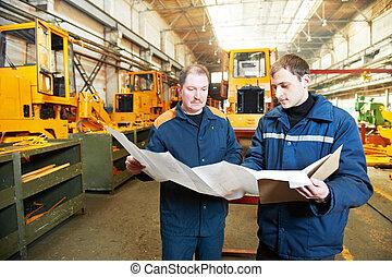 Trabajadores industriales experimentados