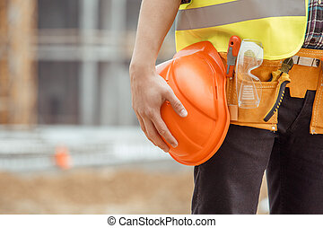 Trabajo masculino construyendo un proyecto de ocupación de ingeniería