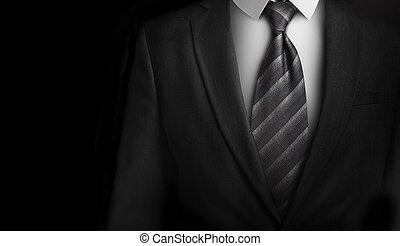 Traje con corbata gris