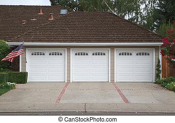 Tres vagones de garaje
