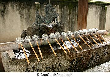 Tsukubai - santuario de sumiyoshi taisha, osaka, Japón