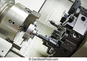 Un aburrido proceso de metal en una máquina