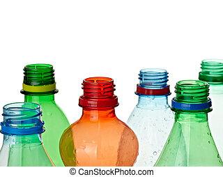 Un ambiente de ecología de botellas vacías de basura