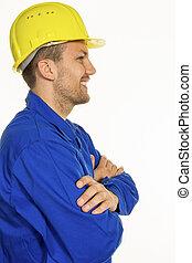 Un artesano con casco