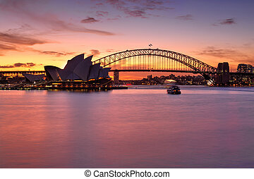 Un atardecer espectacular sobre el puerto de Sydney